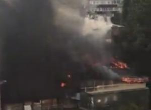 В Сочи загорелся жилой пятиэтажный дом
