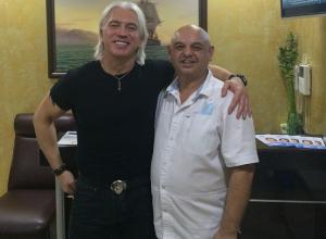 В Краснодаре Дмитрий Хворостовский посетил стоматологическую клинику