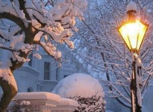 «Это фантастика»: краснодарцы восторженно встретили снег в городе