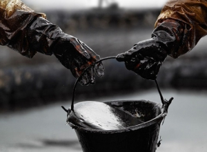 «Транснефть» обвинила рабочих в разрыве нефтепровода в Туапсе