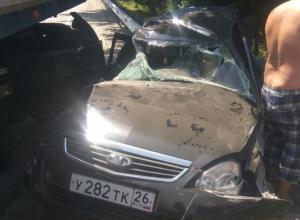 Водитель «легковушки» выжил в страшной аварии с грузовиком