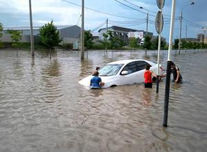 Лично следить за ливнями поручил муниципалитетам глава Кубани