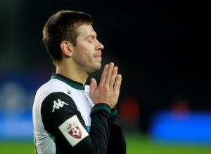 Еще один английский клуб решил купить нападающего «Краснодара» Смолова