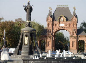 Тайны улицы Красной и Александровского бульвара раскроют на бесплатных пеших экскурсиях в Краснодаре