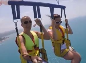 Следствие назначило проверку из-за видео, на котором туристы Сочи сорвались с высоты в море