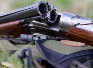Житель Лабинска застрелил мужчину, крутившегося возле машины соседа