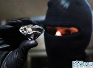 В кубанской столице неизвестные в масках ограбили ювелирный магазин