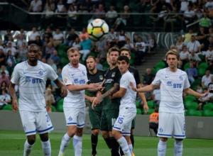 Два гола Смолова принесли победу «Краснодару» в домашнем матче с московским «Динамо»