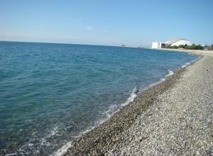 Отдыхающие нашли на пляже в Сочи тело молодого человека