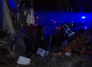 На Кубани погибло 6 человек при столкновении автобуса с грузовиком