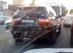 «Умник», объезжающий пробки вслед за «скорой», попал на видео в Краснодаре