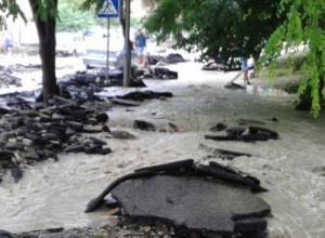 В Туапсинском районе оползень сошёл на федеральную трассу Джубга-Сочи