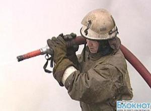 На Кубани по неизвестным причинам сгорел гараж и автомобиль