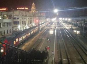 На Кубани грузовым поездом насмерть снесло мужчину