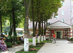 Уникальную операцию на гортани пациенту с 4 стадией рака провели в Краснодаре