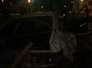 На Кубани водитель ВАЗа выжил после столкновения с  электричкой