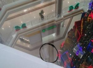 В Новороссийске женщина сбросилась с четвертого этажа в ТРЦ «Красная Площадь»