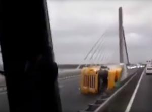 Разоблачение: Видео с падающими грузовиками на крымском мосту - фейк