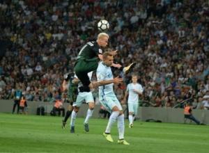 На матче «Краснодара» и «Зенита»  питерские фанаты подожгли файеры