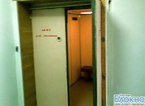 В Армавире санитарку раздавил лифт