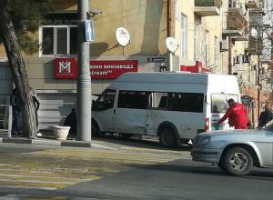 В Новороссийске маршрутки без тормозов развозят пассажиров по домам
