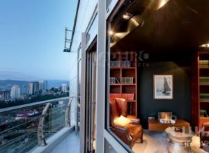 «Денег нет, но вы держитесь»: квартира за 570 миллионов продается в Краснодарском крае