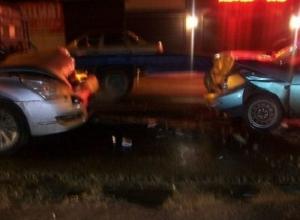 В Краснодаре при лобовом столкновении автомобилей пострадали два человека