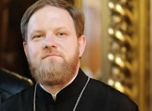 Пресс-секретарю патриарха Кирилла не дали взять жену на отдых в Геленджик в аэропорту