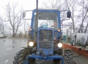 На Кубани мужчина на угнанном тракторе попытался сброситься с обрыва