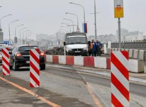 На Тургеневский мост в Краснодаре закрыли въезд