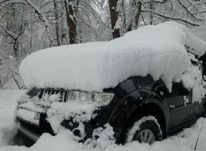 По пути в Красную Поляну сочинцы попали в снежный плен