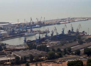 Директор «Ейского морского порта» год не платил зарплату подчиненному