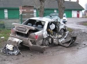 Мокрая дорога в краснодарском крае унесла жизни двух человек