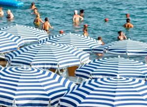 Гостей кубанских курортов обязали платить налог в первый же день