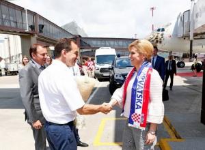 В сочинском аэропорту Кондратьев встретил президента Хорватии