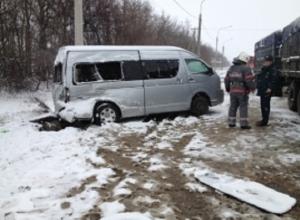 На Кубани 10 детей попали в больницу в результате ДТП с автобусом
