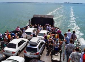 Житель Кубани может стать четырехмиллионным пассажиром Керченской переправы