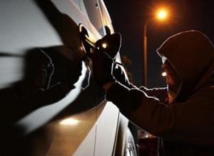 Два сочинца украли из машины ключи, но не угнали ее