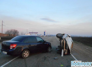 На трассе Армавир – Отрадная при опрокидывании автомобиля погиб водитель