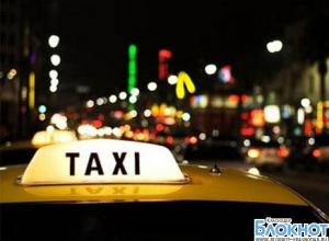 В Кавказском районе пьяный мужчина напал на водителя «КамАЗа» и угнал такси