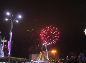 20 тысяч человек пришли на Театральную площадь Краснодара встретить Новый год