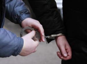 Жителя Кубани задержали в Симферополе за насилие над школьником