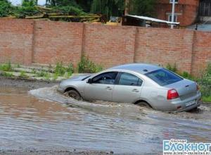 Евланов предложил бизнесменам отремонтировать улицу Тополиную за свой счет