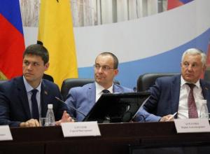 Власти Кубани обсудили проблемные вопросы мобильной торговли