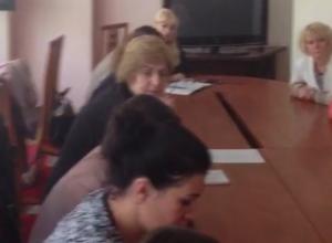 Дольщики «Анит-Сити» забаррикадировались в администрации Краснодара и объявили голодовку