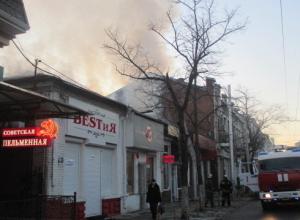 В центре Краснодара сгорела кровля магазина
