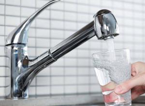 Специалисты выяснили, что часть кубанцев пьет воду сомнительного качества