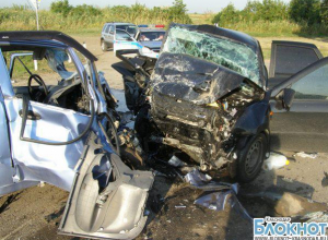 На Кубани произошло столкновение двух машин