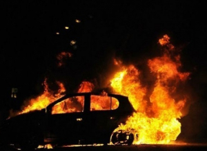 Сотрудники АЗС не дали огнетушитель для тушения вспыхнувшего автомобиля в Краснодаре