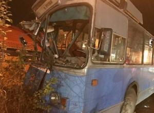 Стали известны подробности ДТП с троллейбусом, который «разворотило» на Северной в Краснодаре